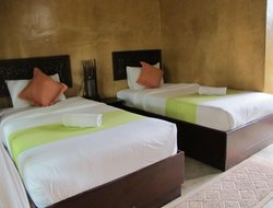 Amphoe Chiang Khaung hotels with swimming pool