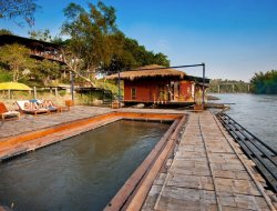 Ban Kaeng Raboet hotels with river view