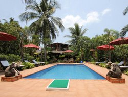 Koh Phayam hotels with swimming pool
