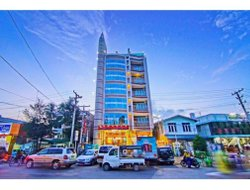 Monywa hotels with restaurants