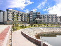 Naypyidaw hotels with swimming pool