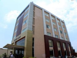 Abhepur hotels with swimming pool