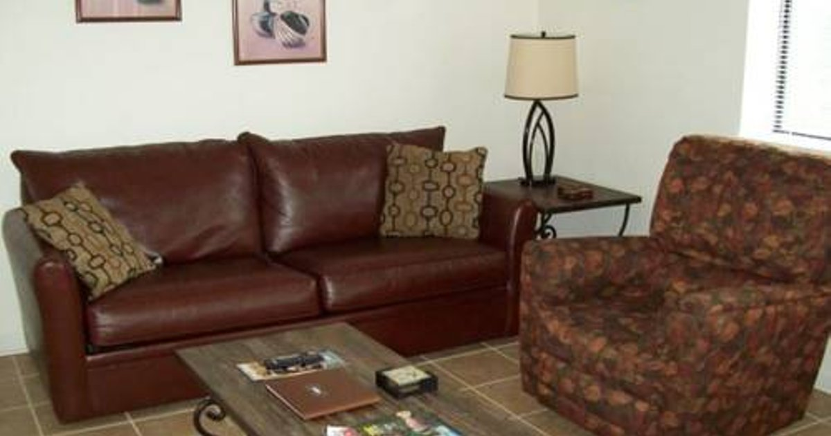 Holly Ridge Two Bedroom (Unit 404)