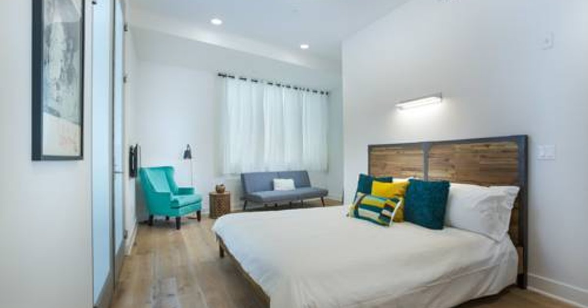 Melrose Place luxury 2 bedroom