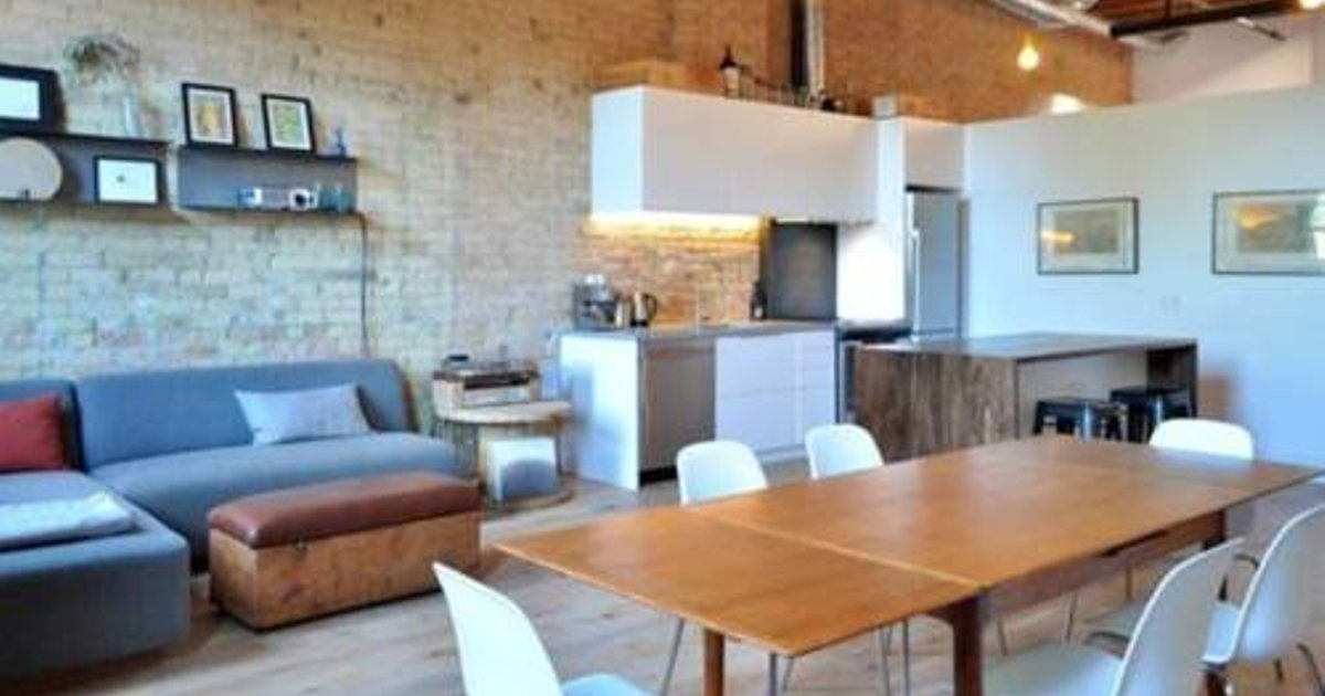 Applewood Suites - Queen West Loft