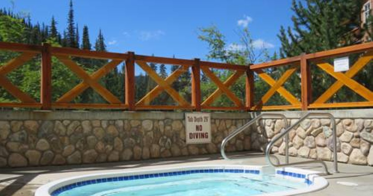 Fireside Lodge Village Center Apartment FS203 British Columbia