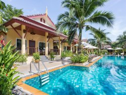 Rawai hotels with swimming pool