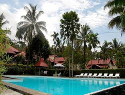 Kalibaru Kulon hotels with restaurants