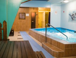 Sayanogorsk hotels with swimming pool
