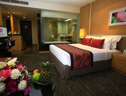 Bang Phli hotels with swimming pool