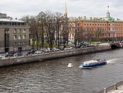 St. Petersburg hotels with lake view