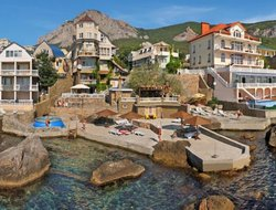 Autonomous Republic of Crimea hotels with swimming pool