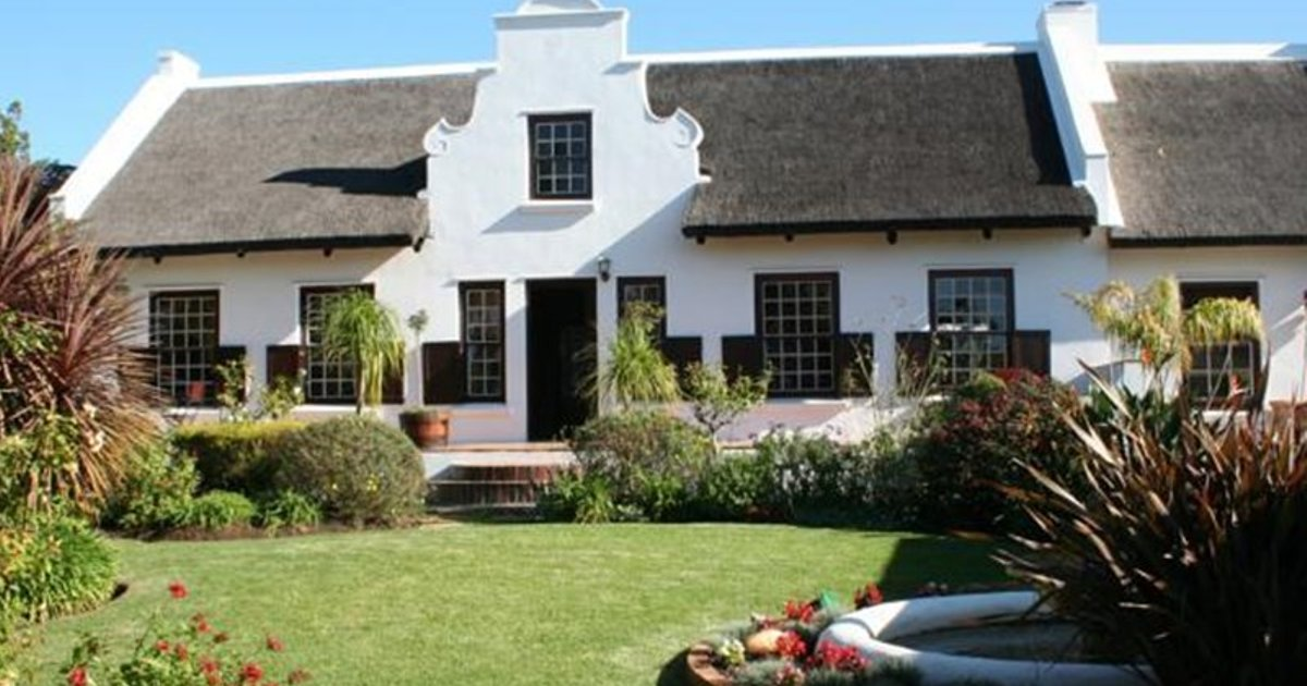 Cape Village Lodge