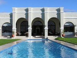 Brackenfell hotels with swimming pool