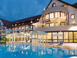 Bad Waltersdorf hotels with swimming pool