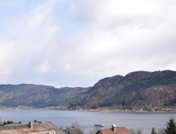 Sattendorf hotels with lake view