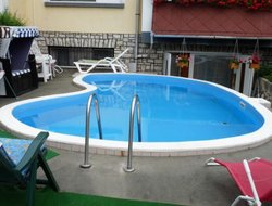 Balatonfured hotels with swimming pool