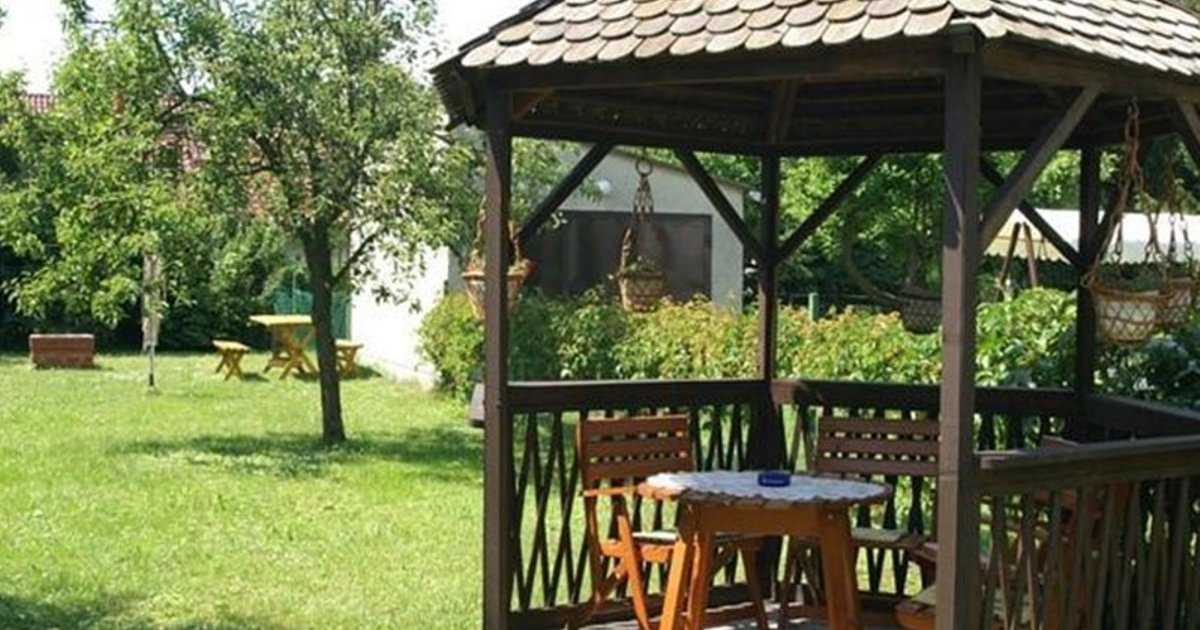 Three-Bedroom Holiday home Balatonmariafurdo near Lake 2