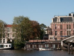 Amsterdam hotels with river view