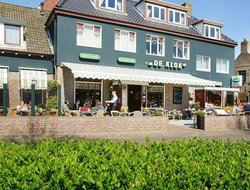Ameland hotels with restaurants
