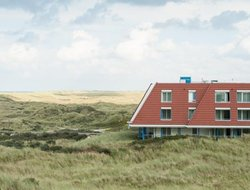 Top-5 hotels in the center of Ameland
