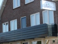 Vinkeveen hotels with restaurants