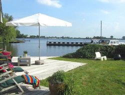 Vinkeveen hotels with lake view