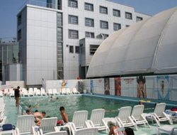 Slatina hotels with swimming pool