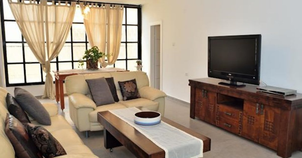 Huge Beach Apartment in Bat Yam