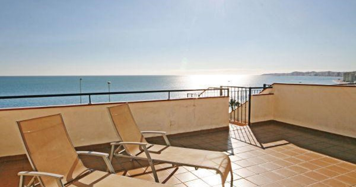 Two-Bedroom Apartment Benalmadena with Sea view 04