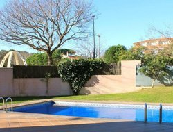 Canet de Mar hotels with swimming pool