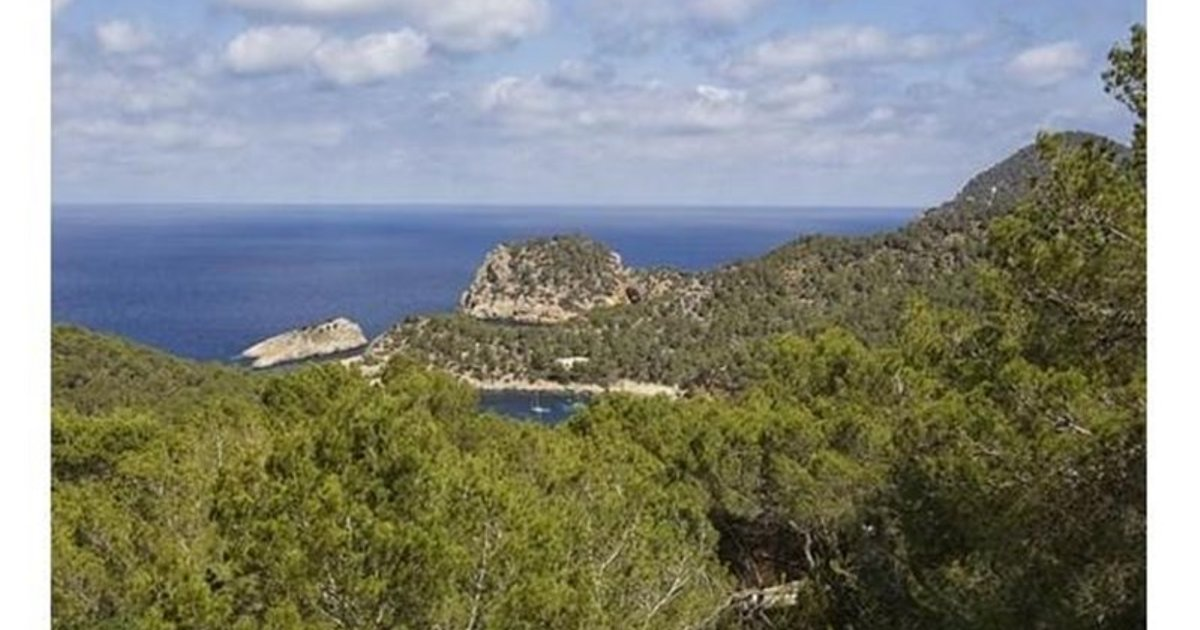 Apartment With Garden And Views In Moraira