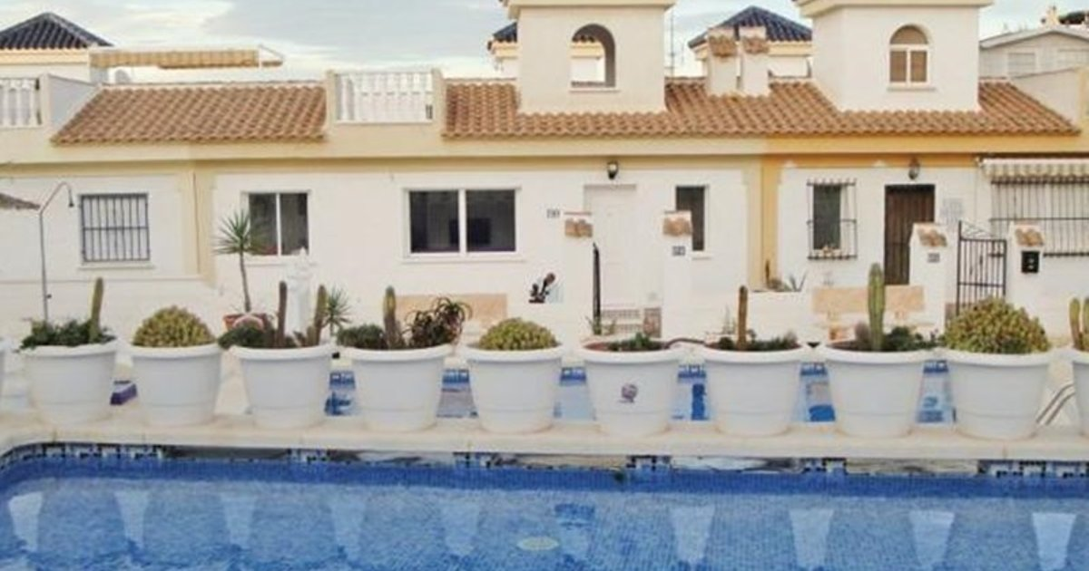 Two-Bedroom Holiday home Rojales with an Outdoor Swimming Pool 01