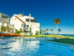 Pets-friendly hotels in San Luis de Sabinillas