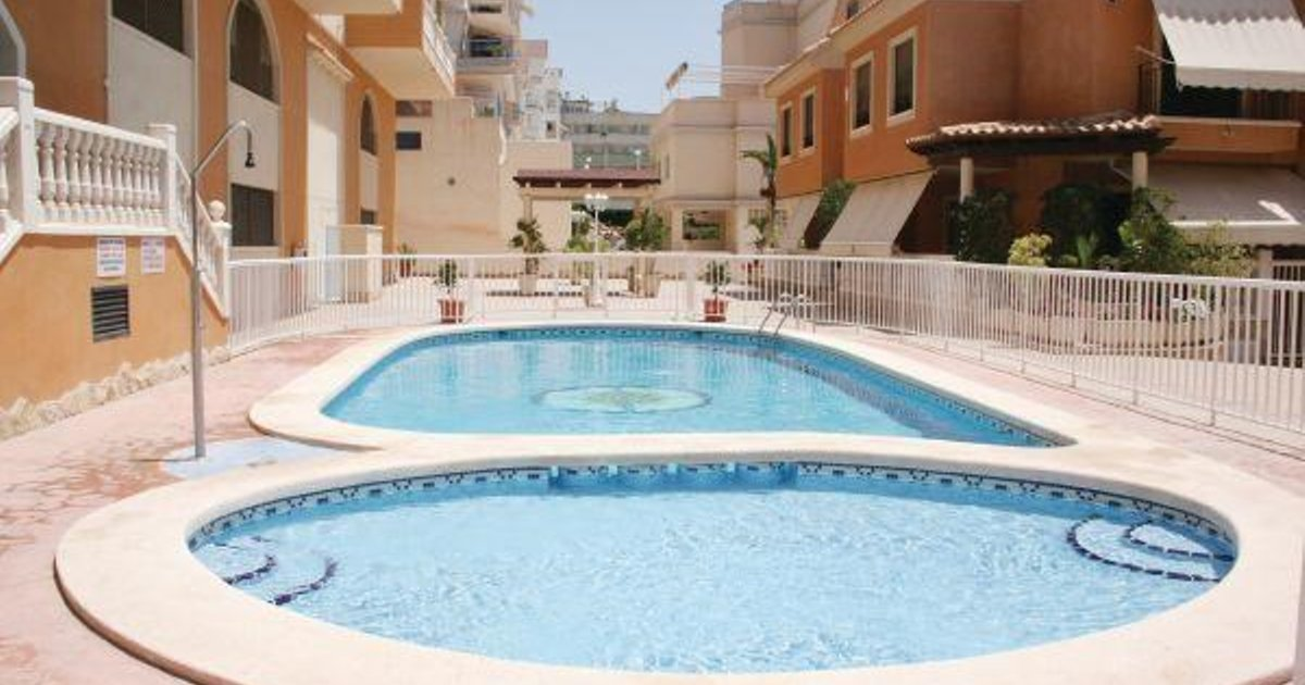 Two-Bedroom Apartment Santa Pola with Sea view 09