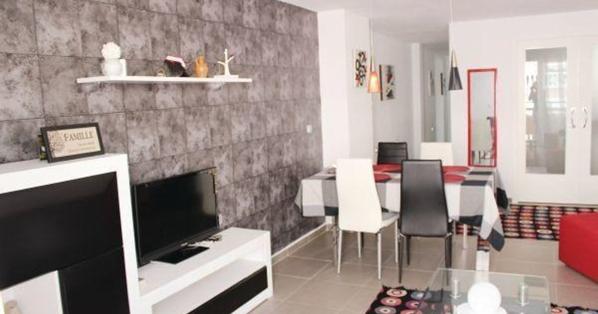 Three-Bedroom Apartment Ramon 03