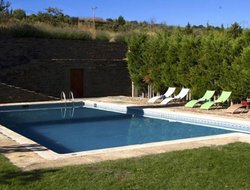 Zamora hotels with swimming pool