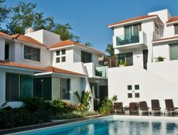 Huatulco hotels with swimming pool