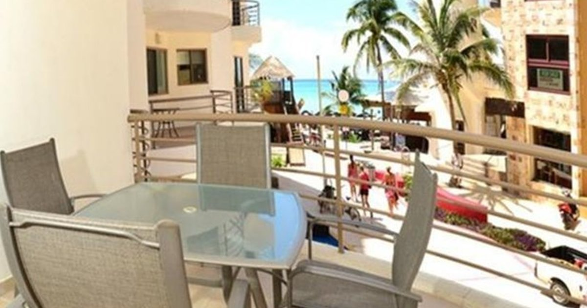 Corto Maltes 2 Bedroom Ocean Front Condo in Downtown