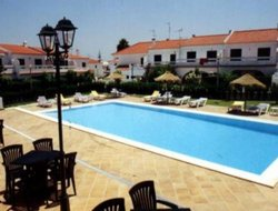 Pets-friendly hotels in Altura