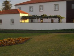 Caminha hotels with river view