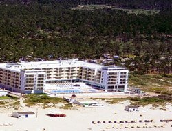 Montegordo hotels with swimming pool