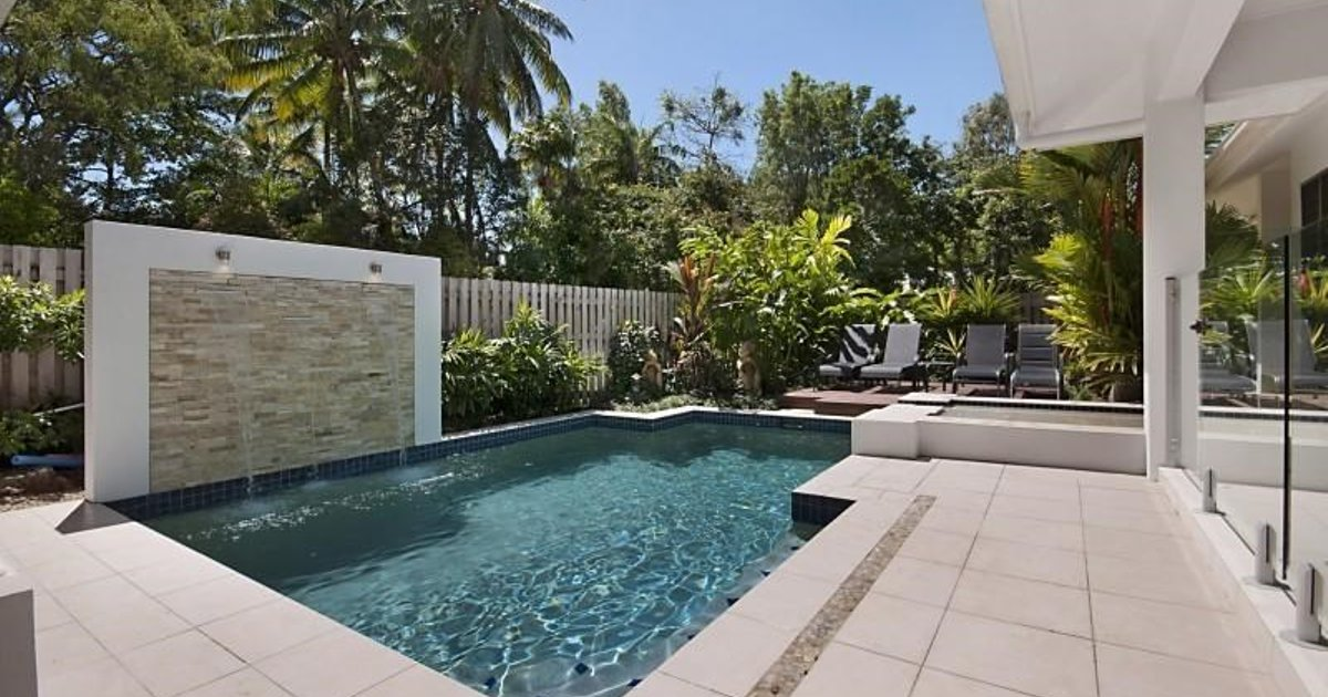 Port Douglas Accommodation Concha Marina Holiday House
