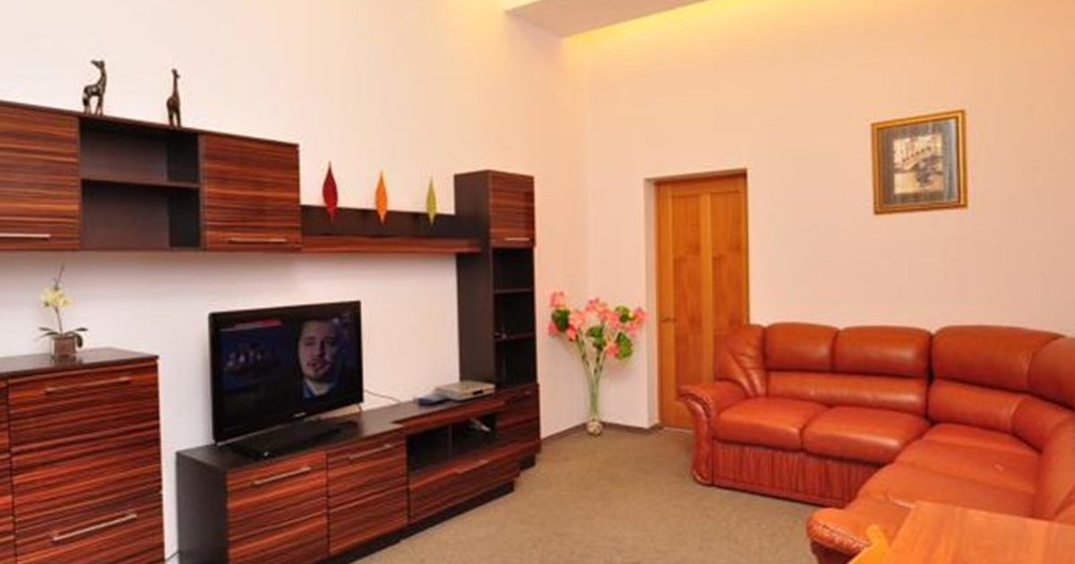 Arena Apartments Basseina Area