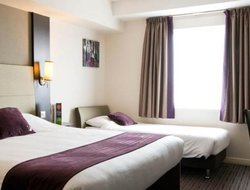 Chippenham hotels with restaurants