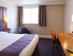 Luton hotels with restaurants