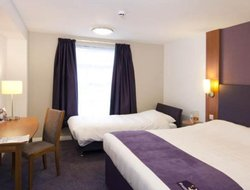 Brighouse hotels with restaurants