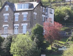 LYNTON hotels with sea view