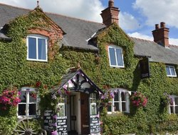 Ruthin hotels with restaurants