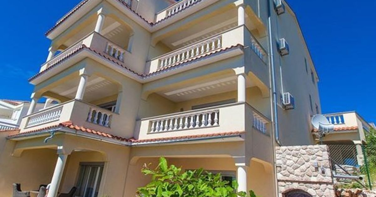 Apartments in Crikvenica 5367G